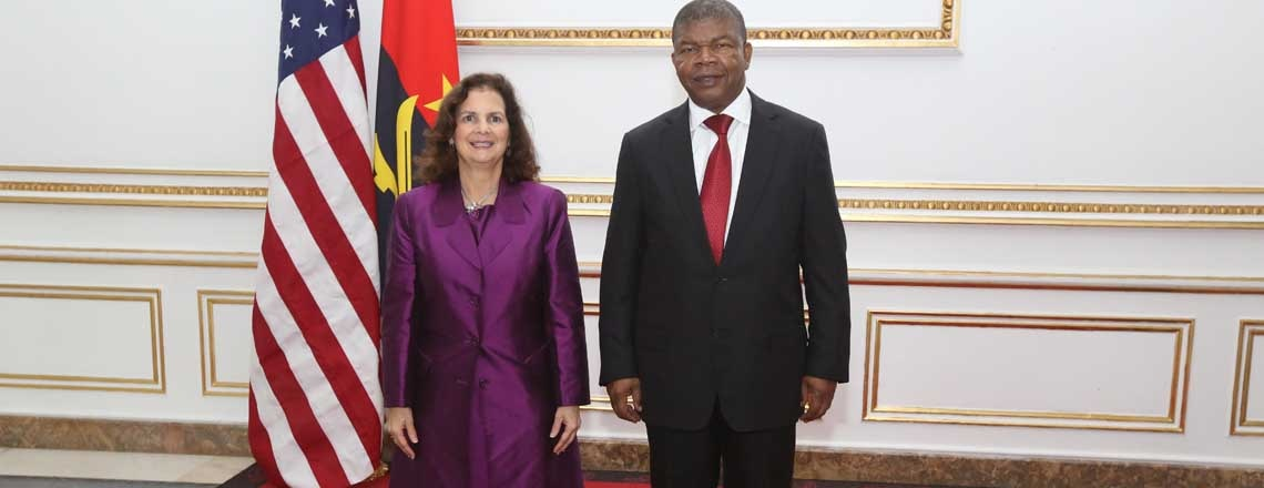 U.S. Ambassador to Angola Presents Credentials to Angolan President
